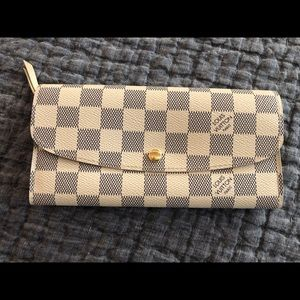 Louis Vuitton Wallet. Never used.